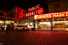 Pike Place (MikeWeinhold) Tags: seattle pikeplacemarket night neon cobblestone 6d 1740mm