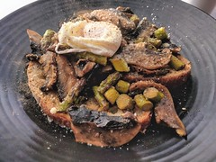 2017-11-18 11.22.05~3 (Ali Cordrey) Tags: brunch lunch food foodie foodist mushroom egg toast asparagus poachedegg