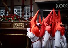 La procesión (diocrio) Tags: procesion cofrades semanasanta c1 valladolid spain