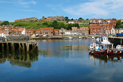 Whitby Harbour, Yorkshire (crafty1tutu (Ann)) Tags: travel holiday 2017 unitedkingdom uk england yorkshire northyorkshire whitby harbour water boats crafty1tutu canon7dmkii canon24105lserieslens anncameron