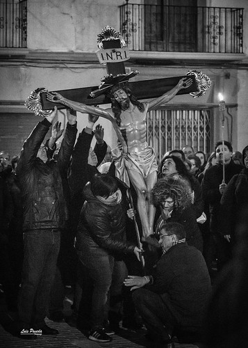 """(2018-03-23) - IX Vía Crucis nocturno - Luis Poveda Galiano (11) • <a style=""""font-size:0.8em;"""" href=""""http://www.flickr.com/photos/139250327@N06/40337745234/"""" target=""""_blank"""">View on Flickr</a>"""