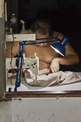 The tailor (Thomas Mülchi) Tags: rimkhlongladpraocommunityphotowalk chatuchakdistrict bangkok thailand 2018 people person man sewingmachine sewing krungthepmahanakhon th