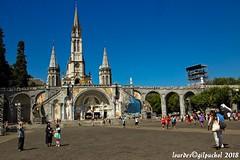 Lourdes 197-A (José María Gil Puchol) Tags: aquitaine basilique catholique cathédrale cierge eaumiraculeuse fidèle fontaine france handicapé jeanpaulii josémariagilpuchol lourdes paysbasque prière pélèrinage religion