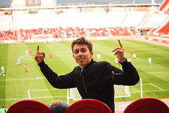 _MG_9994 (sergiopenalvagonzalez) Tags: futbol domingo palma de mallorca pelota jugadores aficion rojo negro pasion
