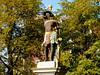 Eisenberg Figur am Marktplatz (zimmermann8821) Tags: eisenberg deutschland herbst altstadt ausflugsziel denkmal kleinstadt plastik sehenswürdigkeiten stadtansicht thüringen skulptur allegorie