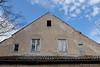 Überdacht (Sockenhummel) Tags: applique esthermiller kurs tedstorm haus dach dachboden fenster himmel brandenburg fuji x30