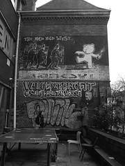 04/12/2017 Hamilton House - Bristol (Kane the Lurcher) Tags: banksy bristol blackwhite building england street streetart streetphotography urban uk