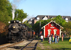 Beautiful Day in Howell (GLC 392) Tags: howell depot mi michigan steam engine pm pere marquette railroad railway train 1225 lima berkshire 284 evening red green people grass passenger