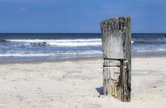 Strand Norderney   Norderney beach (MLopht   Dortmund) Tags: northsea norddeutschland strand sand beach pfosten meer wasser ozean nordsee norderney nordküste insel canon eos 7d mkii eos7d 50mm ostfriesland