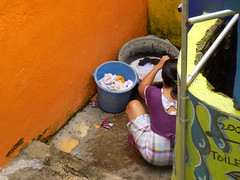 Malang Kampung Tridi Laundry 20171211_122000 DSCN0370 (CanadaGood) Tags: asia asean seasia indonesia indonesian java javanese eastjava jawatimur malang paint kampungtridi building people person laundry canadagood 2017 thisdecade color colour blue orange best