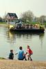bij-Eck-en-Wiel (Don Pedro de Carrion de los Condes !) Tags: donpedro ontspanning gezin pontje speels zondags rust detente rivier spiegelglad