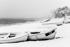snowed in... (Vladimir Barvinek) Tags: snow season seafront boat cloud snowflakes view landscape seascape seaside budleighsalterton devon winter freeze frost tide beach monochrome mood blackandwhite