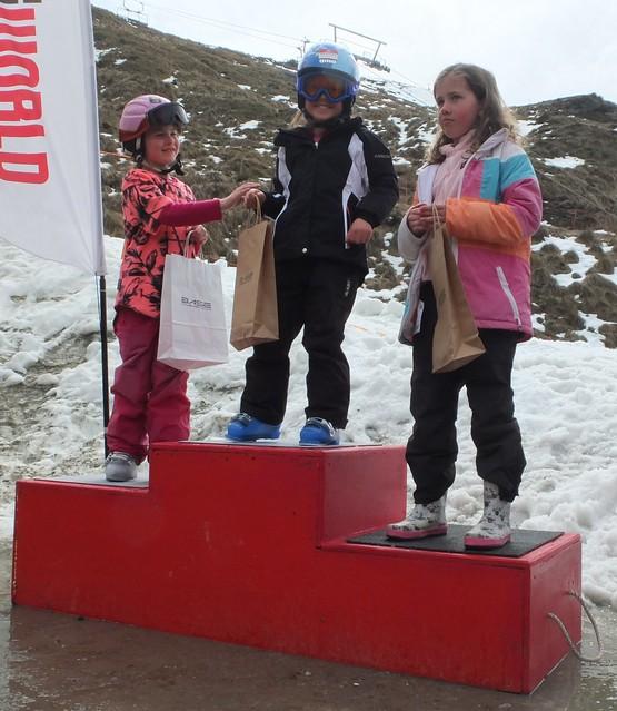 Ski U8 3rd Sophia Tuck, 2nd Tasman Murphy, 1st Jenna Russell