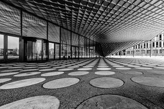 Futurium (Leipzig_trifft_Wien) Tags: berlin deutschland architecture monochrome modern contemporary black white contrast form circle square glass wideangle canon