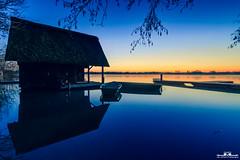 Haus am See (picsandarts) Tags: 80d tamron sunrise landschaft steg see wasser canon pier water haus bluehour boot blauestunde house landscape sonnenaufgang boat eos himmel sky lake