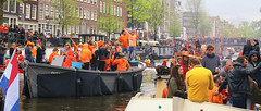 Amsterdam King's Day 2018 (B℮n) Tags: party boat girls boys fun dancing dance koningsdag kingsday street festival water prinsengracht orange oranje holiday willem alexander maxima amsterdam holland netherlands celebration jordaan kingdom dutch straat feest market trendy crowded free canals people floating beer amstel heineken feestdag mokum grachtengordel panden carnaval gezellig national king singing music muziek dansmuziek swing colors smoke kiss kissing kday kdag outdoor crowd 27april oranjegekte 50faves topf50