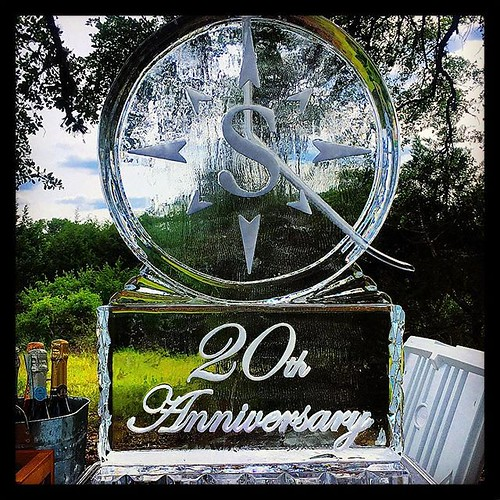 Congratulations to @southstarcommunities on 20 years serving the community! #fullspectrumice #icesculpture #logo #anniversary #thinkoutsidetheblocks #brrriliant - Full Spectrum Ice Sculpture