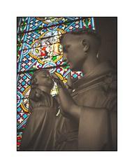 Amour (SiouXie's) Tags: couleur color fujifilm fuji fujix20 siouxies église statue vitraux portrait maromme