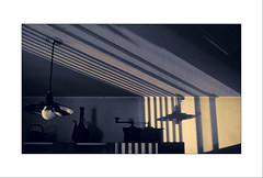mirando al techo (pilaraf14) Tags: sombras shadows luz light techo ceiling