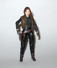 VC119 jyn erso star wars the vintage collection star wars rogue one basic action figures 2018 hasbro e (tjparkside) Tags: jyn erso star wars vintage collection tvc vc vc119 119 basic action figures 2018 hasbro figure thevintagecollection mosc sniper rifle pistol blaster stock vest holster kenner rogue one 1 story