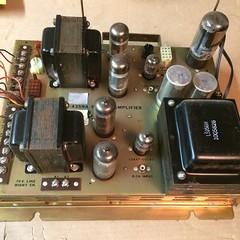 2017-09-06 21.33.24 (kasanay) Tags: ami jukebox stereo amplifier vacuumtube