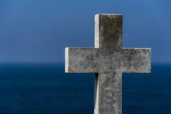 cross (Greg Rohan) Tags: d750 2018 nikon nikkor sky blue cross ocean water sea cemetery bronte sydney australia spiritual symbol