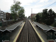 "Long Island Railroad, 05/04/18: looking west toward Manhattan from the Bayside station (IMG_8793) (Gary Dunaier) Tags: lirr longislandrailroad railroad mta metropolitantransportationauthority trains publictrasportation transportation commuting commuters nyc newyorkcity queens ""queens borough"" county"""