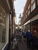 Grote Overstraat Deventer (Jeroen Hillenga) Tags: deventer stad straat street streetwise straatfotografie streetphotography city cityscape netherlands nederland steeg