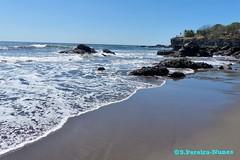 Mixture of rocks and sandy areas, Sunzal, El Salvador (Sebastiao P Nunes) Tags: sunzal rocas ondas waves playa praia areia arena oceanopacifico elsalvador praiasunzal lalibertad panasonic lumixfz200 nunes snunes spnunes spereiranunes