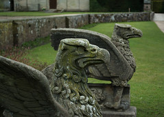 20180322-09_Coombe Abbey Country Park - Griffins or Eagles Stone Statues (gary.hadden) Tags: coombeabbey coombepark coventry warwickshire countrypark rambling countrywalking griffin eagle carving statue