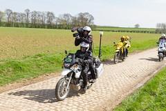 IMG_1135 (fab spotter) Tags: cyclisme parisroubaix vélo voiture course competition extérieur ecureuil hélicoptéres télévision motos