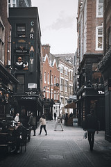 Keep walking in London (Carnaby street) (marcelo.guerra.fotos) Tags: walking keepwalking london uk urban urbanscene urbanview urbanism street streetphoto antique photography photo urbano