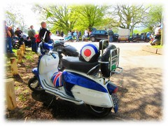 the Gathering of  ' the Clan ' * (John(cardwellpix)) Tags: sunday 22nd april 2018 68 lambretta x 200 special mod gathering newlands corner guildford surrey uk