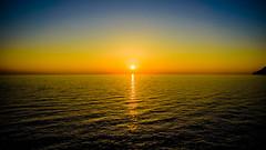 Puesta de sol en Manarola, Cinque Terre (pepoexpress - A few million thanks!) Tags: nikon nikkor d750 nikond750 nikond75024120f4 24120mmf4 pepoexpress puestadesol sunset sunrise goldenhour manarola cinqueterre italy water sea seascape