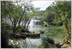 Chûtes de KRKA CROATIE (busylvie) Tags: nature eau lac chûtes cascades rochers pierres arbres reflets végétation vert racines people personnes baigneurs