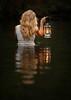frau-laterne-wasser (stephanwiesnerfotografie) Tags: bern blitz frau outdoor photography portrait sonnenuntergang strobist
