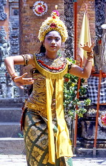 Bali, Legong Dance (gerard eder) Tags: world travel reise viajes asia southeastasia indonesia bali legongdance folklore people peopleoftheworld outdoor