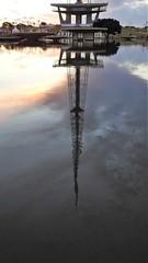 BRASÍLIA - anoitecer (sileneandrade10) Tags: sileneandrade brasília cidade pôrdosol torredetv sunset céu espelho reflexo água arquitetura paisagem praça jardim nikon
