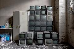 Ateliers C.-TV Eyes (Under The Dust) Tags: urbex cockerill metallurgie usine