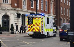 St Johns Ambulance Responding (slinkierbus268) Tags: st johns ambulance childrens intensive care bluelights sirens mercedes sprinter central london