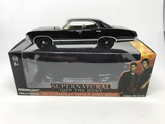 """Greenlight Hollywood - SUPERNATURAL - 1967 Chevrolet Impala Sport Sedan - LootCrate Exclusive - Miniature Diecast Metal Scale Model """"Emergency Services / Demon Hunter"""" Vehicle (firehouse.ie) Tags: diecast metal miniature miniatures models model samanddean jointhehunt classic automobile lauto coche car samanddeane hunters demonhunters winchesterbrothers deanwinchester samwinchester sam winchesters demons impala chevvy chevy chevrolet tvrelated tvseries tv supernatural"""