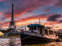 Paris 2018 - Eiffel Tower from the Seine (cesbai1) Tags: seine river boat bateau new brunswick debilly passerelle bridge pont tour eiffel tower sunset paris ile de france 75