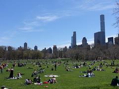 201804187 New York City Central Park and Midtown (taigatrommelchen) Tags: 20180416 usa ny newyork newyorkcity nyc manhattan midtown uppereastside centralpark clouds city skyline park
