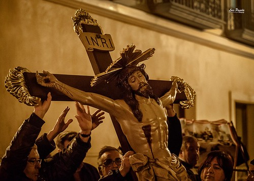 """(2018-03-23) - IX Vía Crucis nocturno - Luis Poveda Galiano (05) • <a style=""""font-size:0.8em;"""" href=""""http://www.flickr.com/photos/139250327@N06/26175427197/"""" target=""""_blank"""">View on Flickr</a>"""