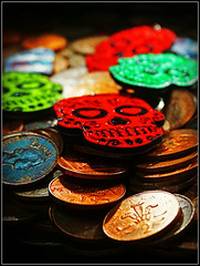 Heads, Skulls, or Tails? (Jason 87030) Tags: skull death keyring fob color colour 2p pennies arcade margate entertainment fun money heads tails win lose kent holiday april 2018 image photo photos pic pics socialenvy pleaseforgiveme picture pictures snapshot art beautiful picoftheday photooftheday allshots exposure composition focus capture moment