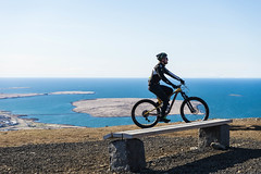 DSC04530 (Guðmundur Róbert) Tags: iceland moutain biking mtb bikes mountain hjól reiðhjól hjóla cycling mountains sky blue sony a7ii kit lens landscape intense cube 29er downhill uphill view island ísland black white