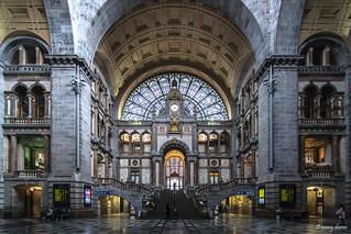 Antwerpen, Station Antwerpen-Centraal (binnenzicht).