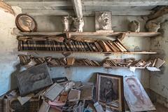 (Kollaps3n) Tags: decay urbanexploration urbex abbandono luoghiabbandonati abandoned abandonedplaces nikon italy
