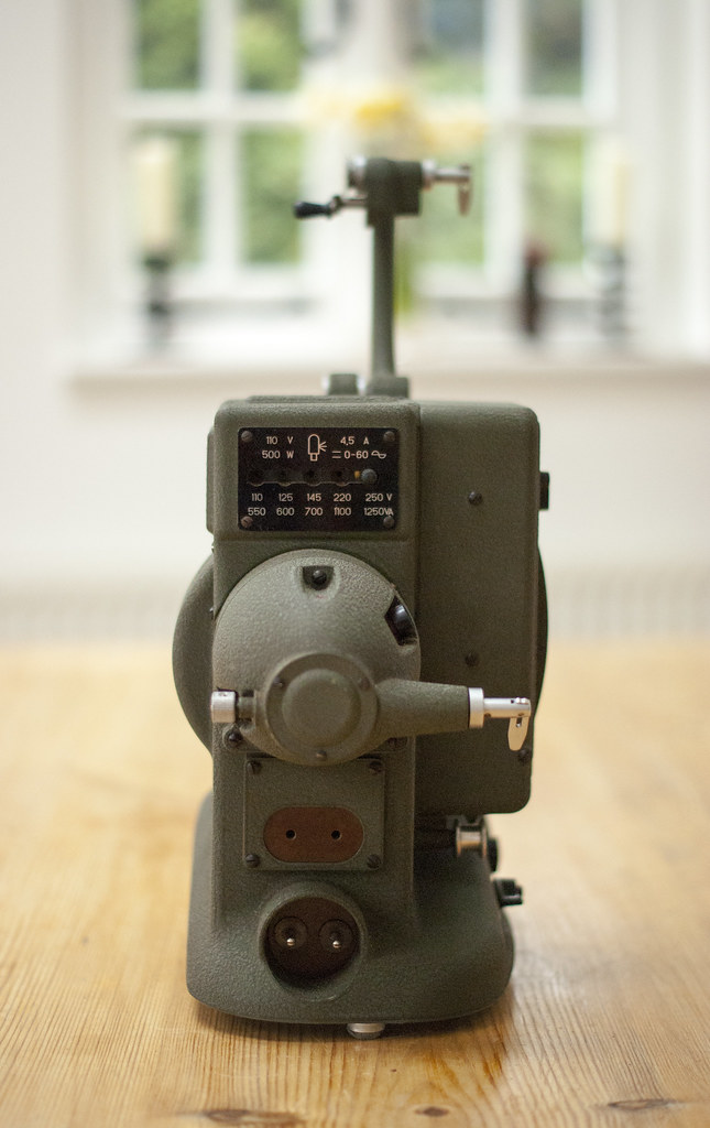 The World's newest photos of 8mm and projector - Flickr Hive