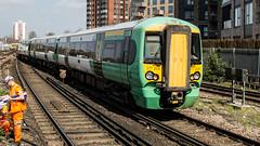 377204 (JOHN BRACE) Tags: 2002 bombardier derby built electrostar 377204 southern livery east croydon station